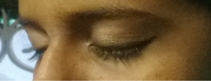 Eyelashes are real (no mascara). Eyeliner is Oriflame Stylo Liner. No Primer, no make-up otherwise.